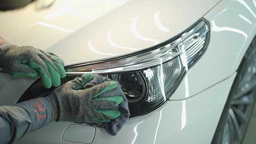 ترمیم و تمیز کردن چراغ خودرو