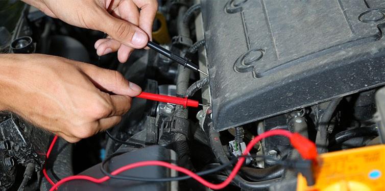 علائم خرابی باتری خودرو
